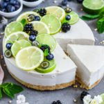 Raw Limetten Cheesecake. Veganer Käsekuchen mit Limetten ohne Backen.