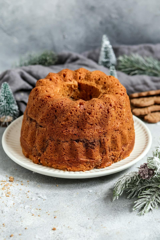 Vegan Speculoos Swirl Cake.
